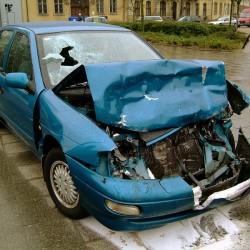 חיים ומוות ביד הסמארטפון: עשרות נהרגו השנה עקב שימוש בסלולרי בעת נהיגה