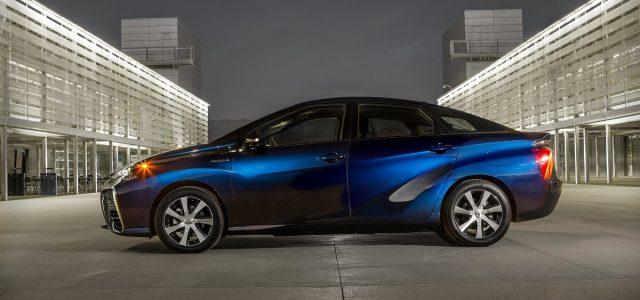 טויוטה מבטיחה: בתוך פחות מעשור מכוניות תא דלק יעלו כמו היברידיות
