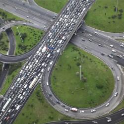 הבועה: האם רבע מיליון מכוניות חדשות על הכבישים ב-2014 זה טוב או רע?