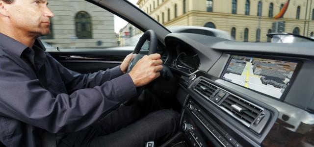 מלחמת העולמות: יצרניות הרכב קונות חברת מיפוי וייאבקו בגוגל