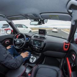 מכונית ללא נהג? לא כל יצרני הרכב מתלהבים