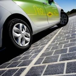 לעולם בעקבות השמש: צרפת 'תסלול' 1,000 קילומטרים של כבישים סולאריים