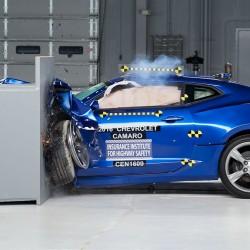 מכוניות השרירים האמריקניות אכזבו במבחני הריסוק
