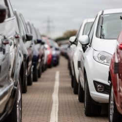 פרה חולבת: ענף הרכב מעניין את הממשלה רק בגלל המיסים