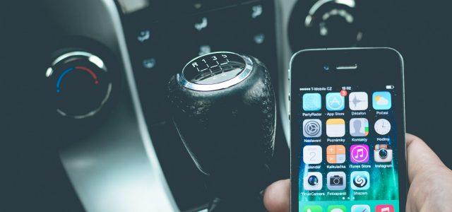 תביעה: אפל אשמה בתאונה משום שלא מנעה אפשרות לשימוש מסיח דעת באייפון