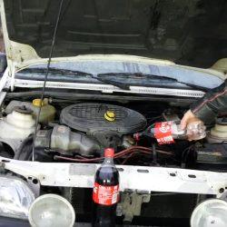 קולה במקום שמן מנוע – רעיון טוב או אסון?