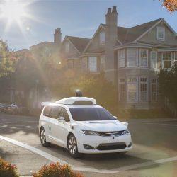 אמזון חוקרת את המכונית האוטונומית