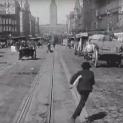 פעם היה כאן אחרת? מצלמת הדשבורד הראשונה בהיסטוריה חושפת מציאות מוטורית מלפני מאה שנה