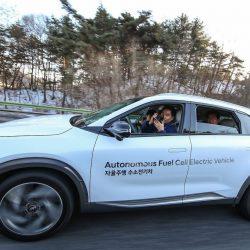 יונדאי לוקחת את ההגה עם מכוניות מימניות אוטונומיות