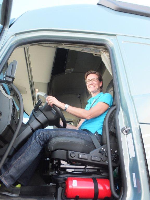 מעולה משאית וולוו FH החדשה מבחן WX-33