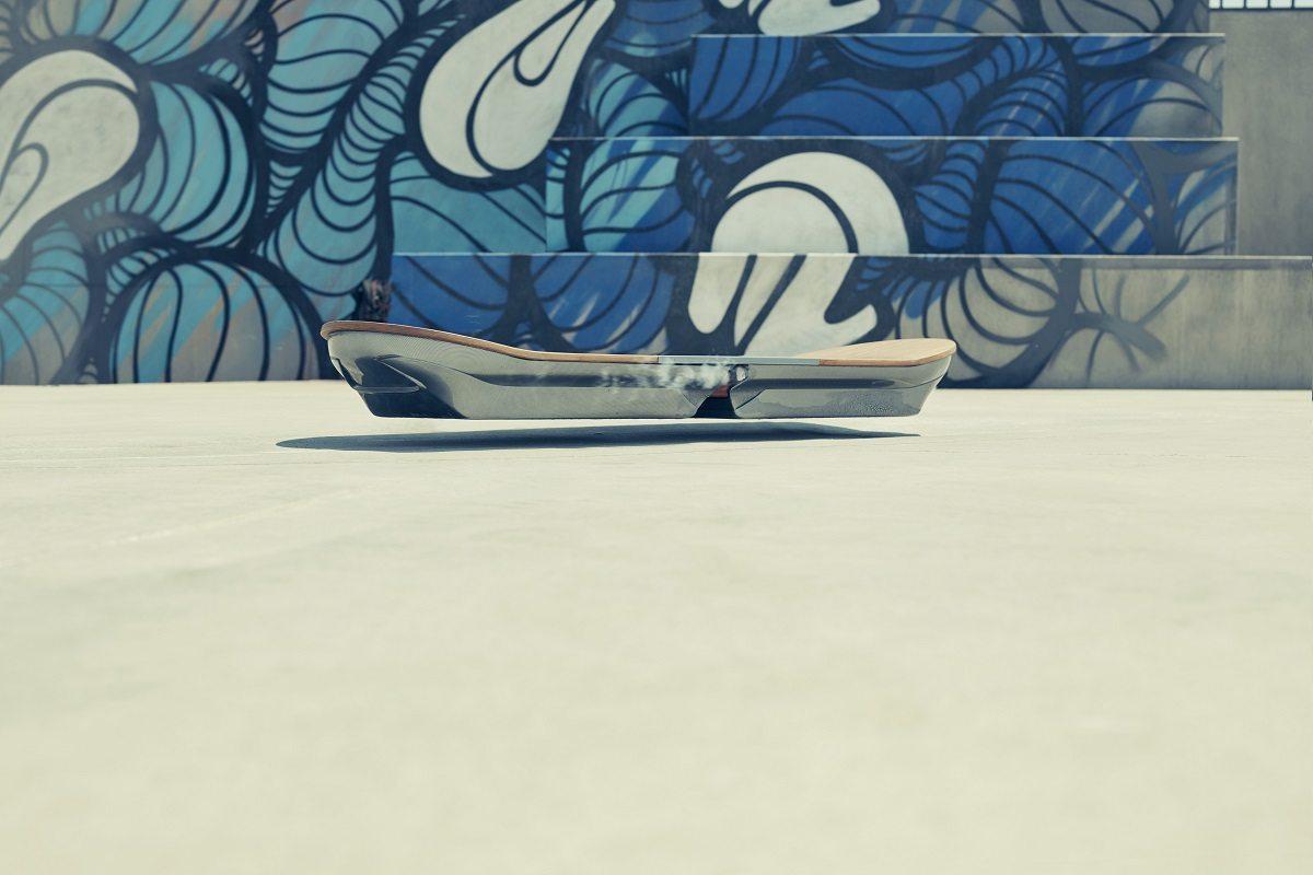 PR Image 4_Lexus Hoverboard