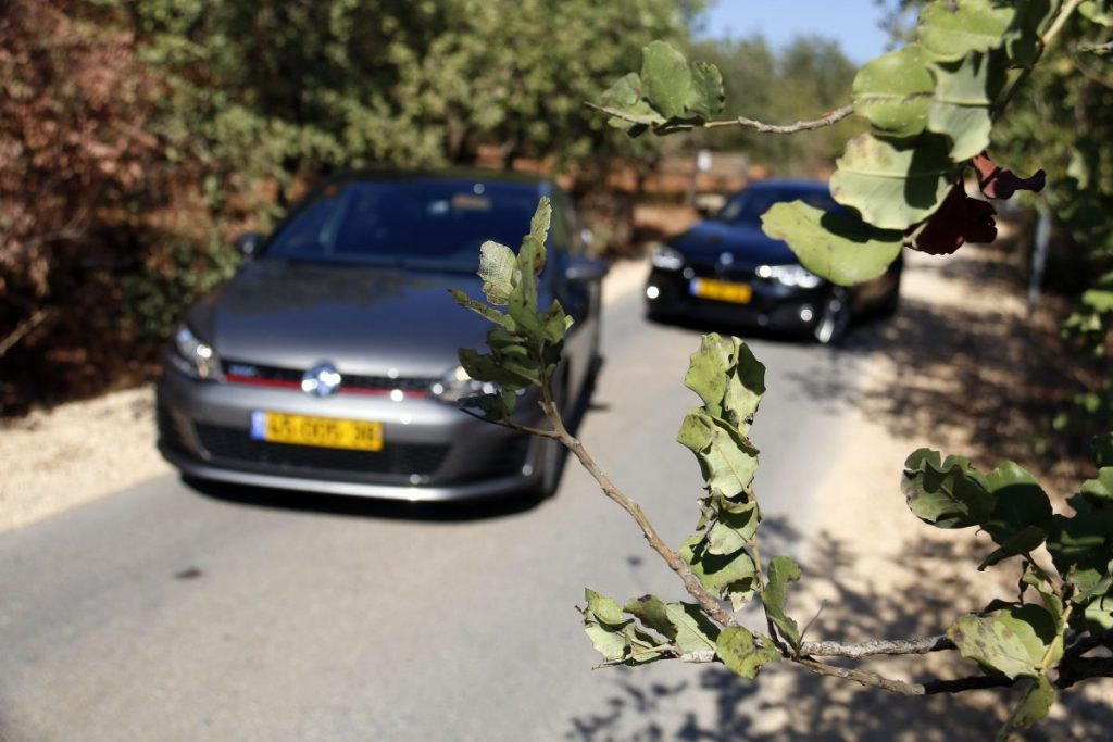 SMALL_bmw 125 vs golf gti _0008