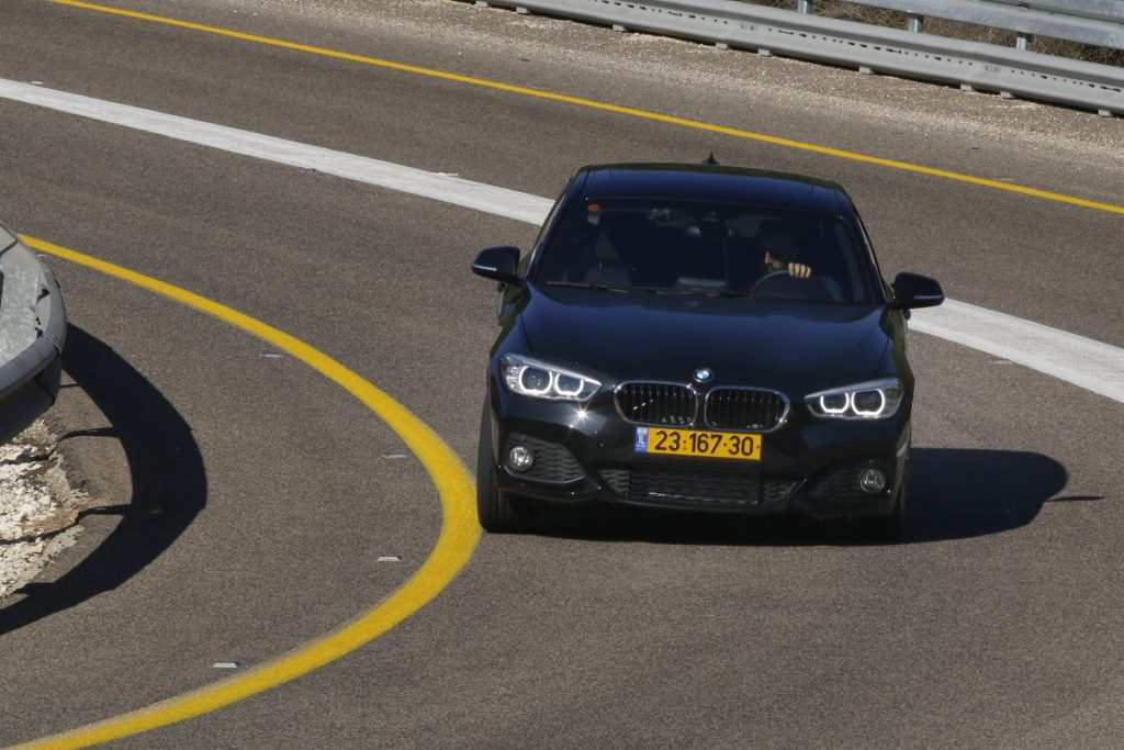 SMALL_bmw 125 vs golf gti _0012