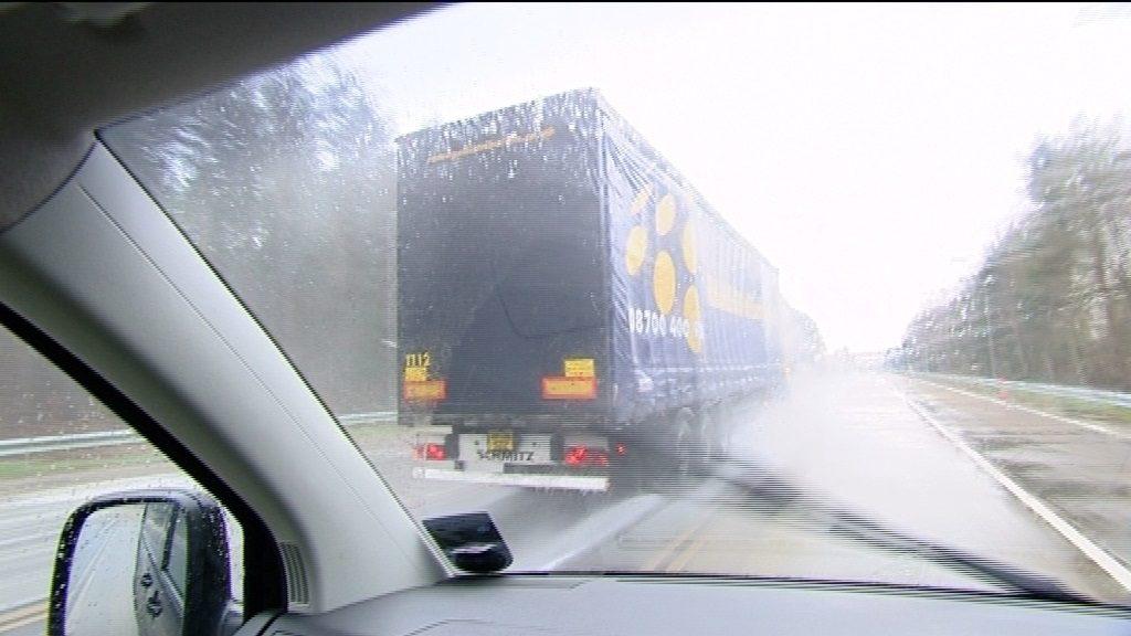 נהיגה-בגשם-003