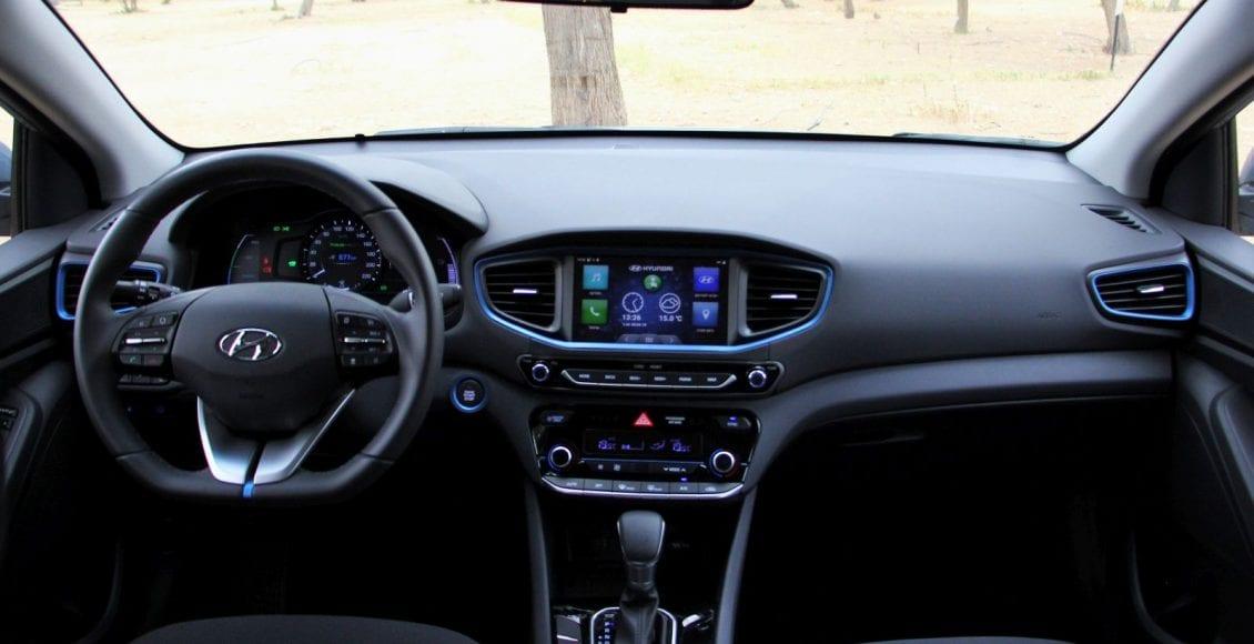 Corolla VS Ioniq 32