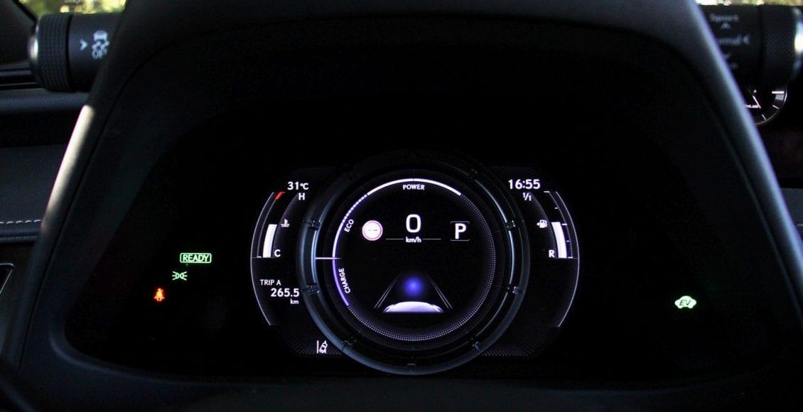 Lexus UX250h F sport 16