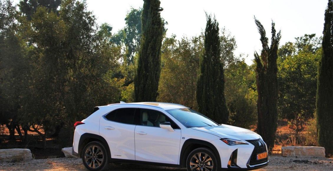 Lexus UX250h F sport 20